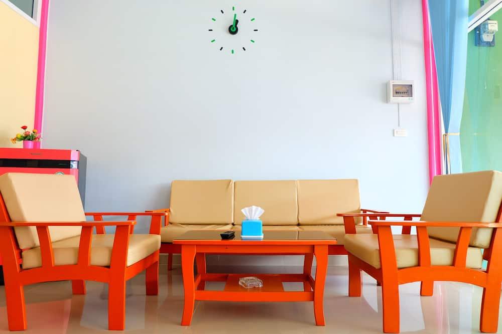 Standard Double Room  - Περιοχή καθιστικού