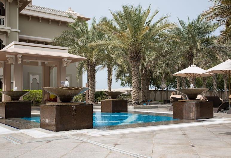Higuests Vacation homes - Grandeur, Dubai, Utomhuspool