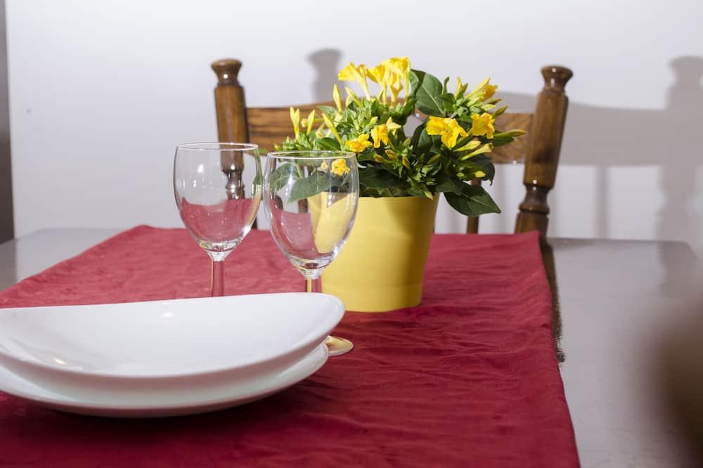 Apartemen Keluarga, 2 kamar tidur - Tempat Makan Di Kamar