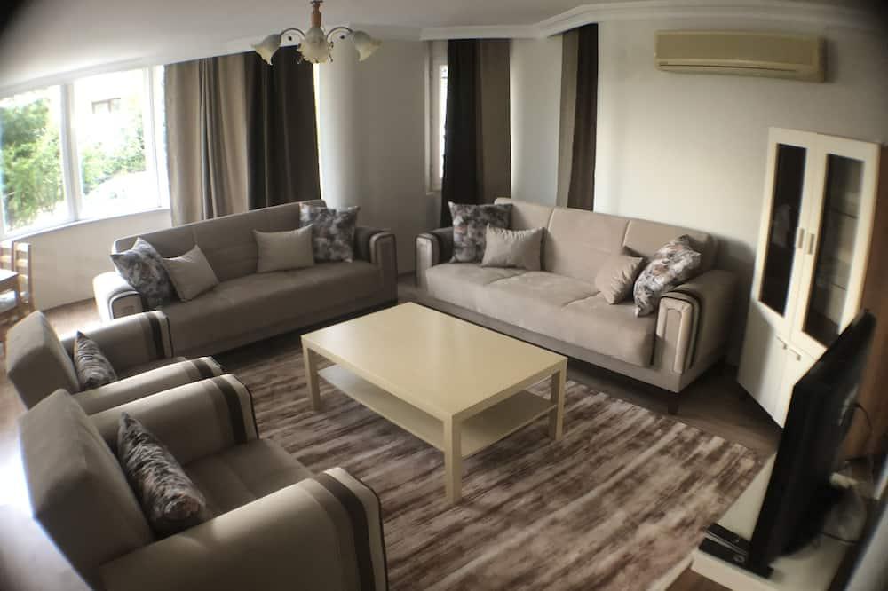Apartment, 4 Bedrooms (No:4) - Living Room