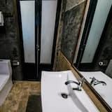 Superior Double Room with Private Bathroom - חדר רחצה
