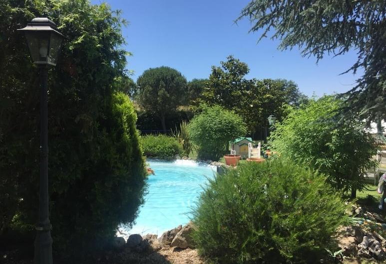 Villa Gusto e Benessere, Sacrofano, Alberca