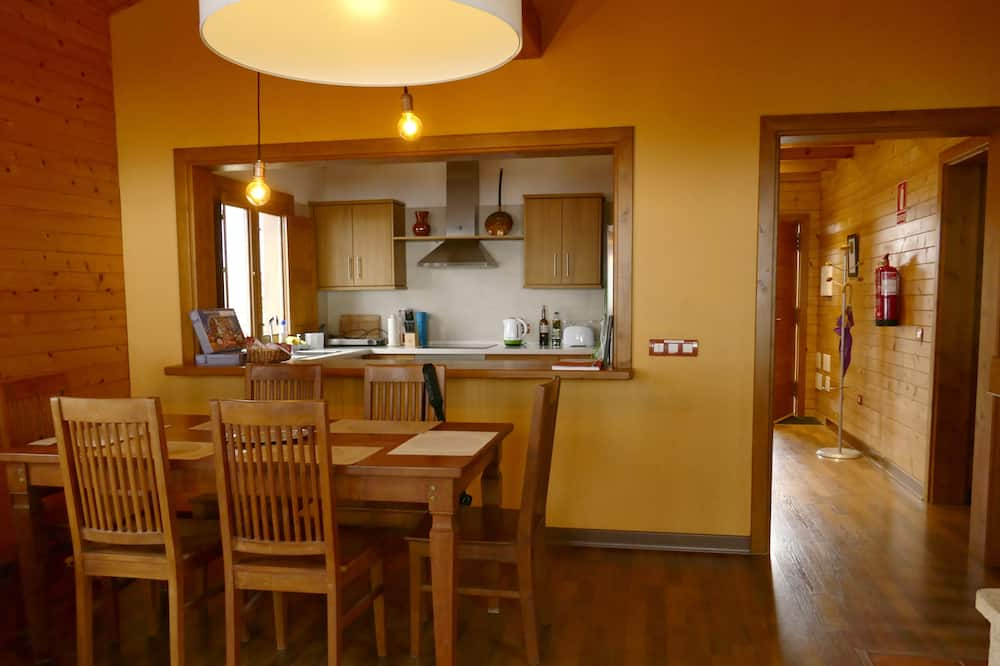 Villa, 2 Bedrooms, Balcony - Living Area