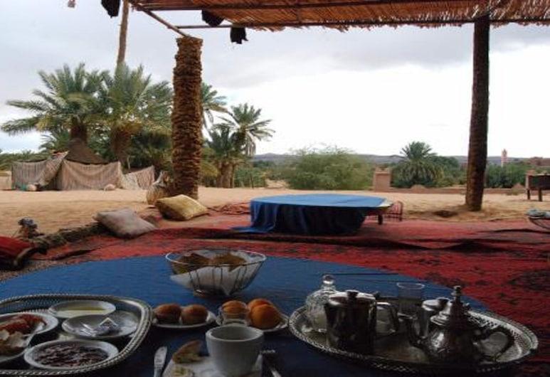 Locals Under Stars Trips, M'Hamid El Ghizlane, Outdoor Dining