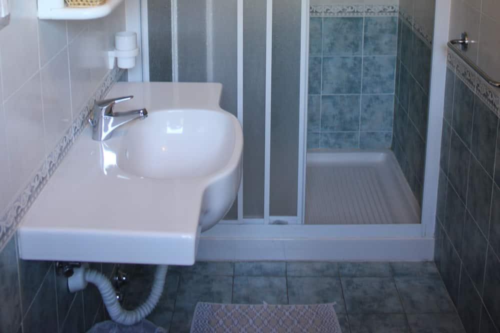 Double or Twin Room - Bilik mandi