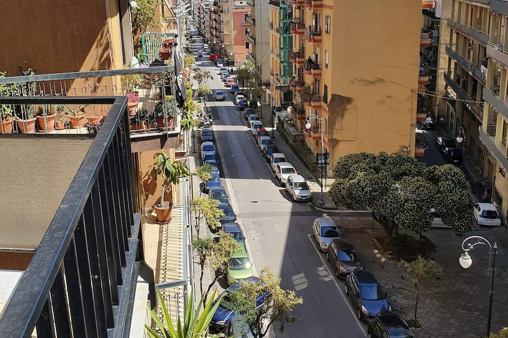 חדר סיטי לשלושה, מיטת קווין וספה נפתחת, נוף לעיר - נוף לעיר