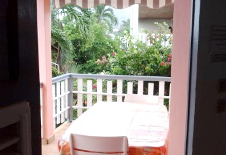 Apartment With one Bedroom in Sainte Anne, With Wifi, Sainte-Anne, Terrace/Patio
