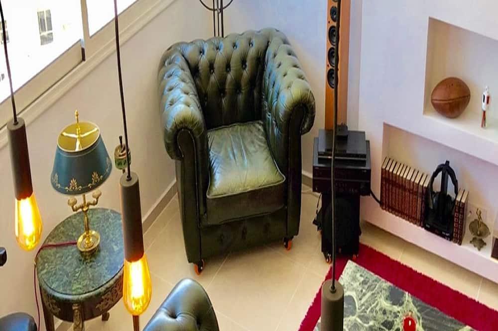 Exclusive Apartment, Ocean View - Living Room