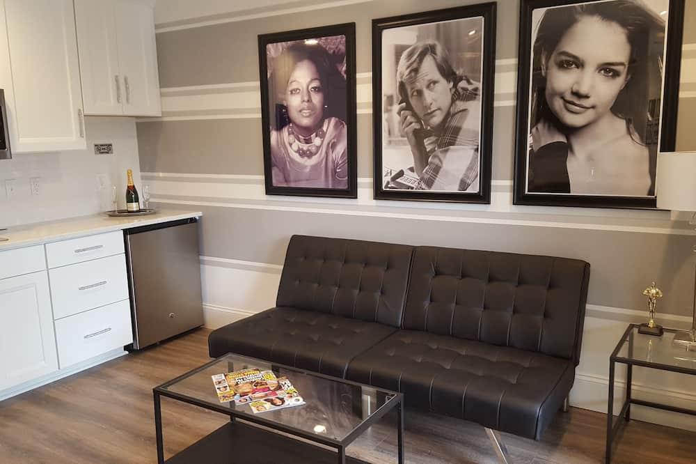 Apartment (Celebrity) - Living Room