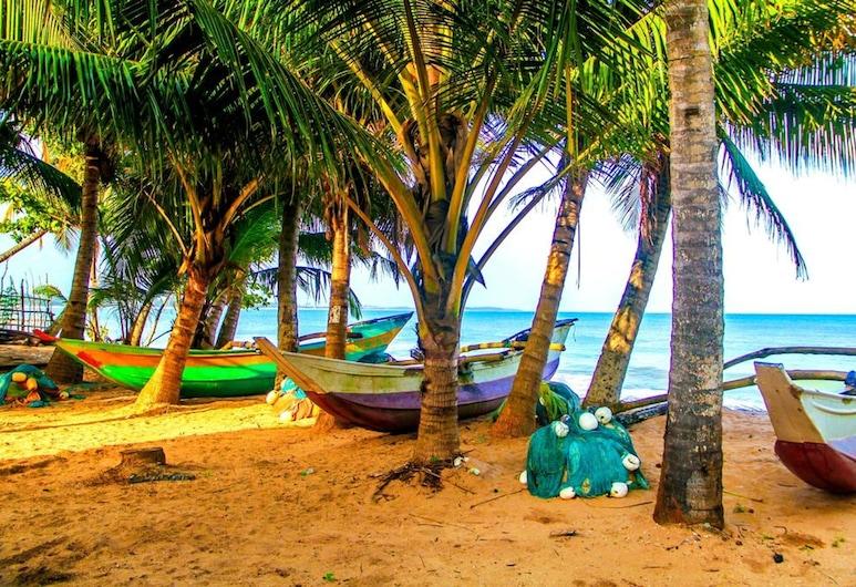 White Ro Resort, Tangalle, Strand