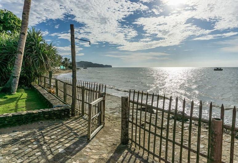 Oceanview Guest House by HangOut Beach & Resort, Malay, Beach