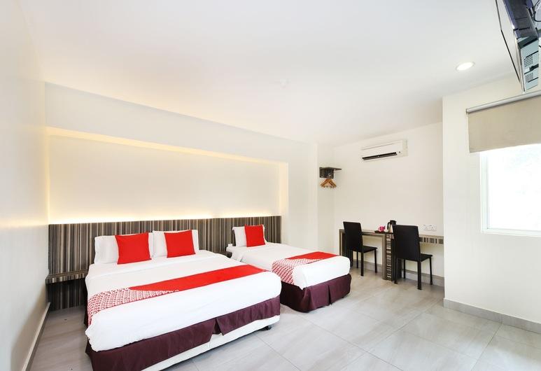 OYO 335 Sunrise Golden Hotel, Kajang, Superior Suite, Guest Room