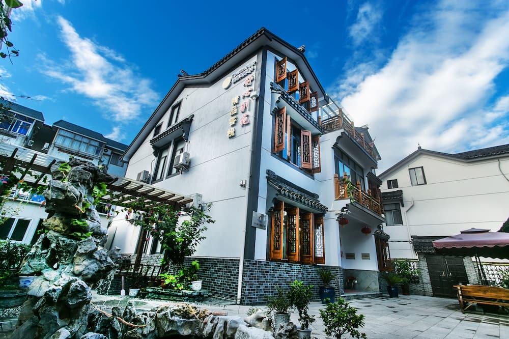 Zhouzhuang Shuxinbieyuan Botique Inn