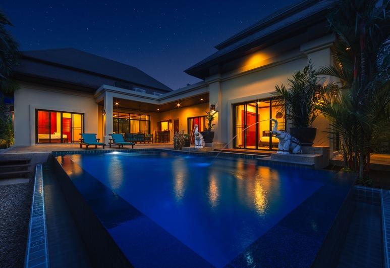 Villa Raas, Rawai, Front of property - evening