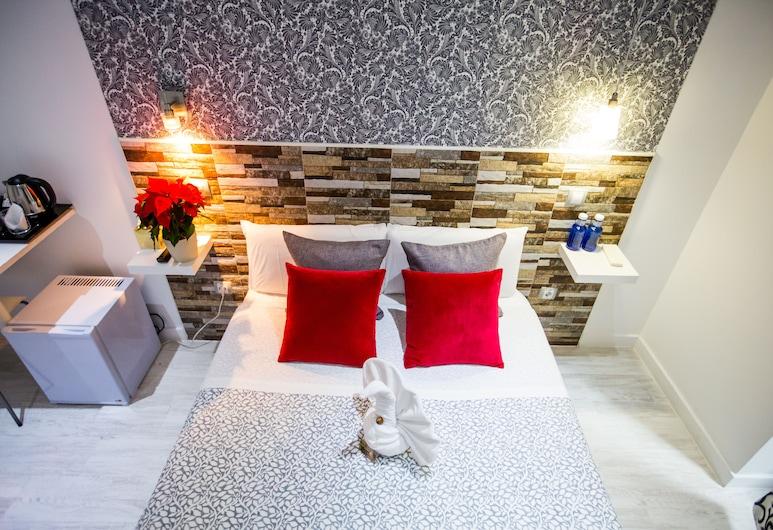 Hostal Adis, Madrid, Dvojlôžková izba typu Classic, balkón, Hosťovská izba