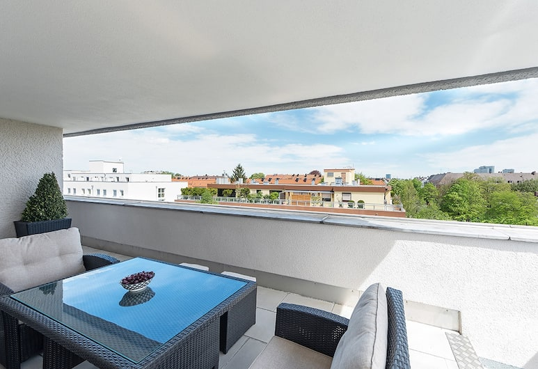 centerroom Muenchen City, München, Superior kahetuba, terrass, Vaade toast