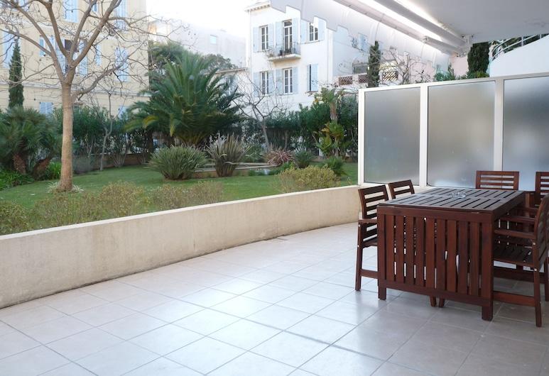 Borniol 3, Cannes, Dzīvokļnumurs, trīs guļamistabas, Terase/iekšējais pagalms