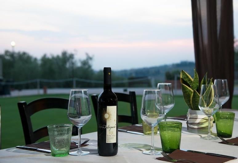 高尔夫俱乐部贝洛斯瓜尔多度假村, 芬奇, 室外用餐