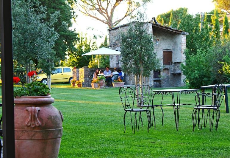 Agriturismo Il Trebbio, Sansepolcro, Garden
