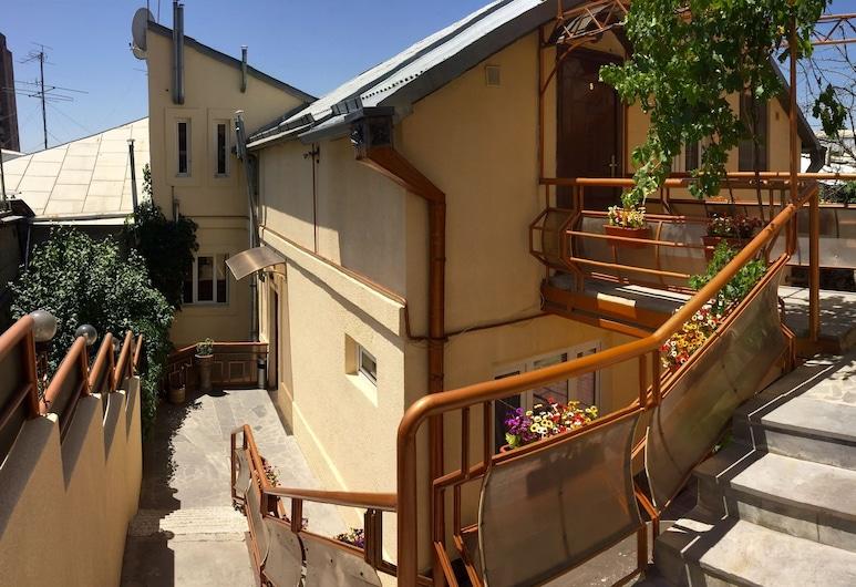 Tatev Apartments, Yerevan
