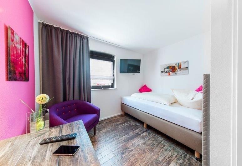 Hotel Sirrah, Stuttgart, Quarto Individual Standard, Quarto