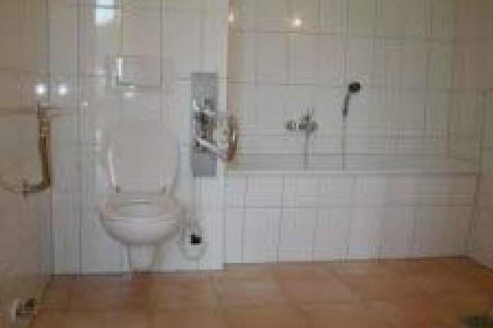 House, 6 Bedrooms (Seeblick) - Bathroom