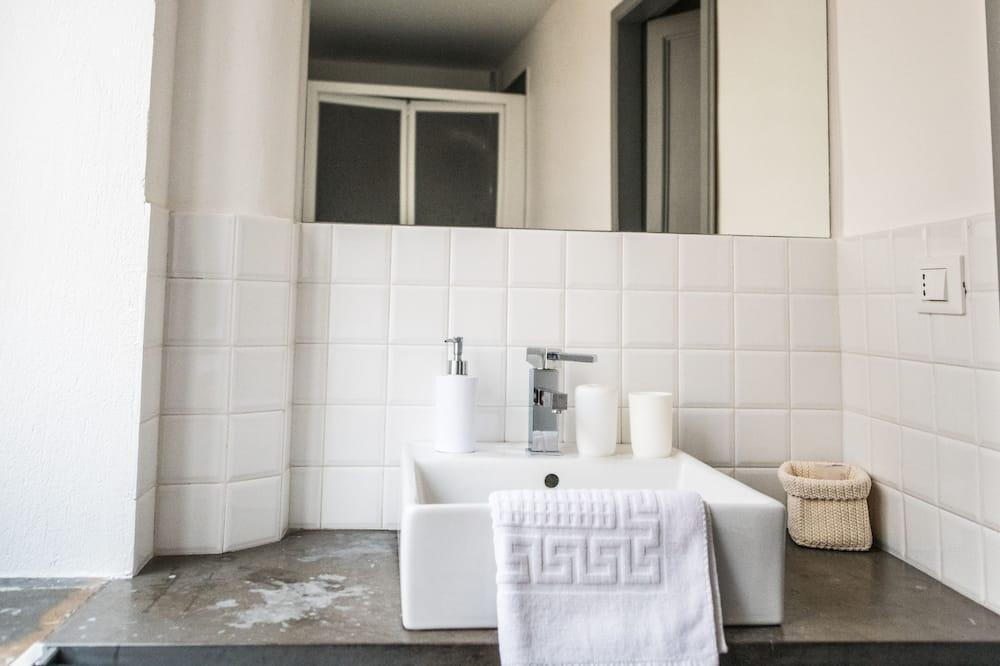 חדר זוגי, חדר רחצה פרטי (external) - חדר רחצה