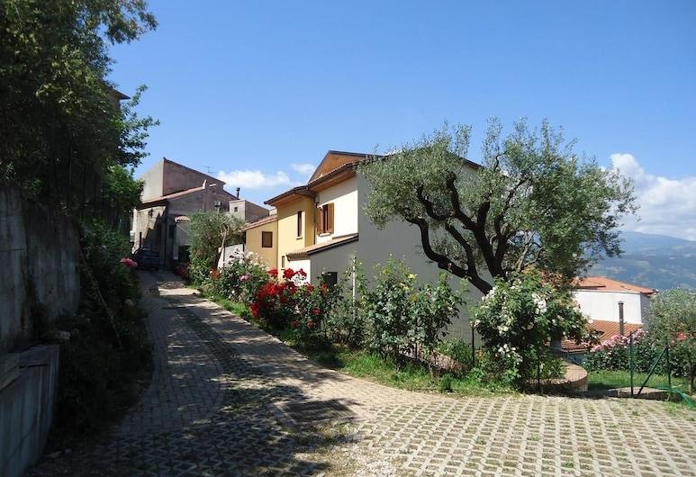 Dianum Villa degli Ulivi, Padula