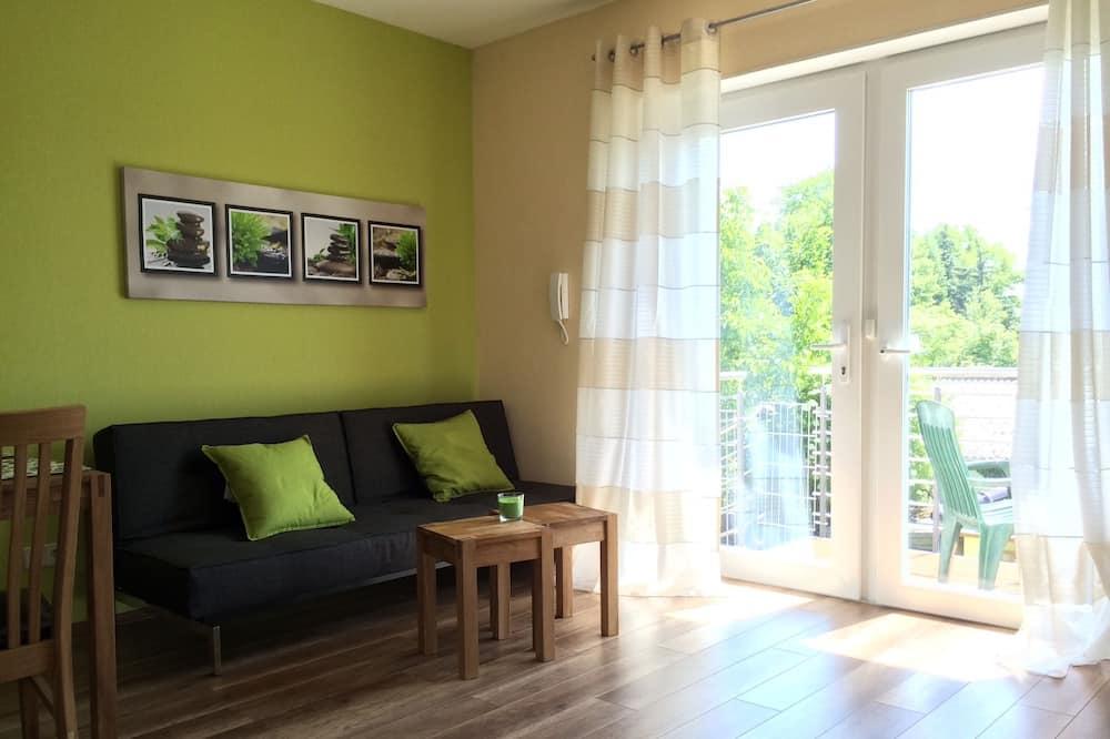 Apartmán, balkon - Obývací prostor
