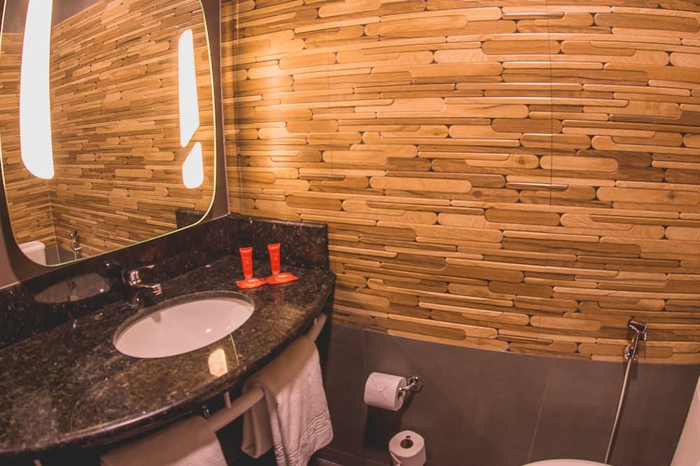 Standaard tweepersoonskamer, 1 tweepersoonsbed - Badkamer
