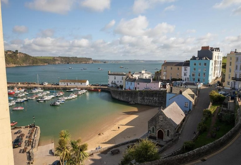 Harbour Court 5, Tenby