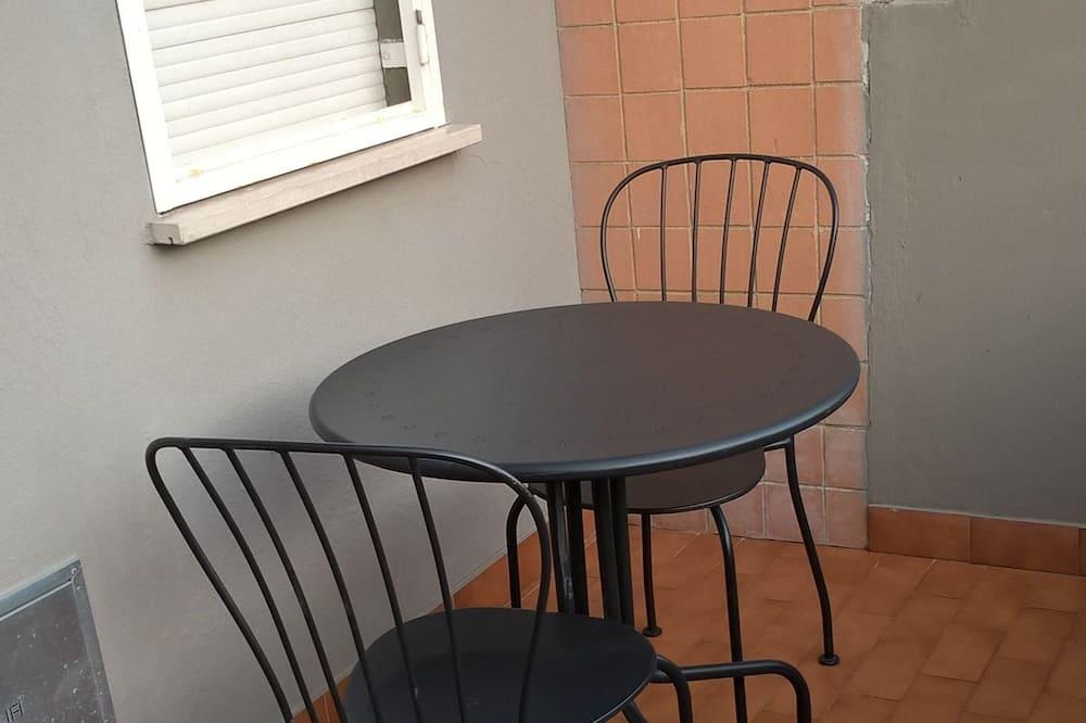 Family Quadruple Room, 1 Bedroom, Kitchen, Garden View (Via Gallicano nel Lazio, 1) - Balcony