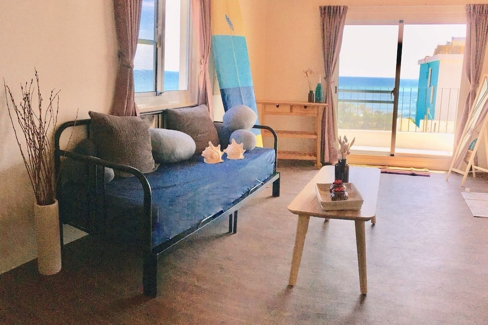 Panoramic Loft, Multiple Beds, Non Smoking - Living Room