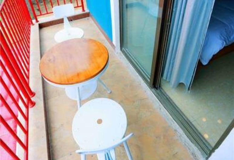 Weizhou Island Shengxiaguangnian Inn, Beihai, Twin Room, Balcony, Guest Room