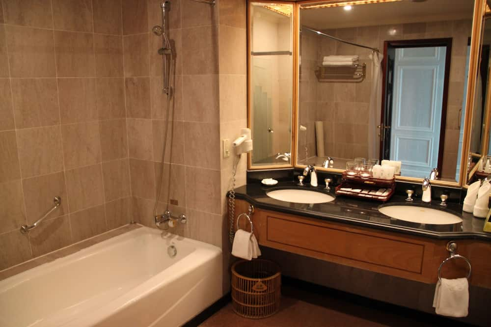 Habitación doble Premium, 1 cama Queen size, para fumadores - Baño