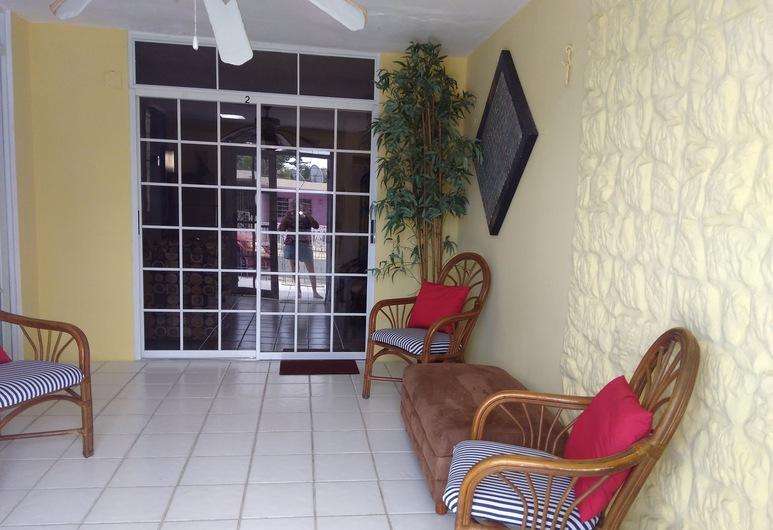 Paraiso Soñado, Aguada, Interior Entrance