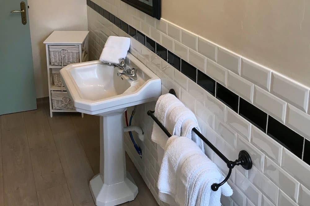 Chic Double Room - Bathroom
