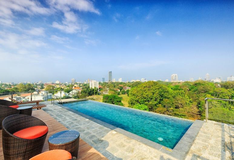 Trillium Hotel, Colombo, Basen odkryty