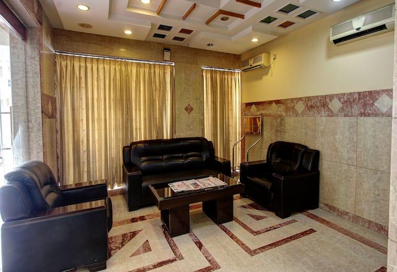 OYO 13595 VT Residency, Bengaluru, Lobby Sitting Area