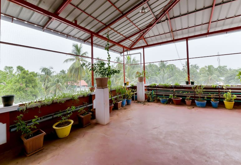 OYO 14697 Home Elegant Studio Fort Kochi Beach, Kochi, Double or Twin Room, Terrace/Patio