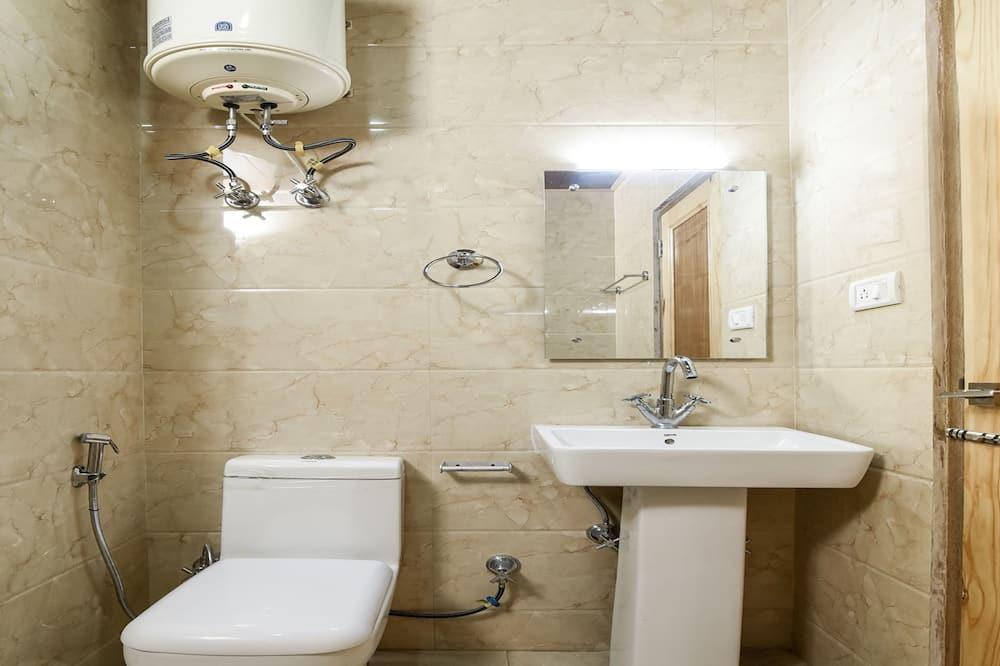 Pokoj s dvoulůžkem nebo 2 jednolůžky - Koupelna