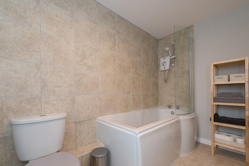 Apartment, eigenes Bad - Badezimmer
