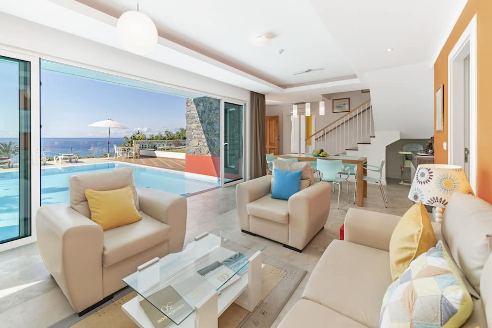 Villa - 3 soveværelser - privat pool - havudsigt - Stue