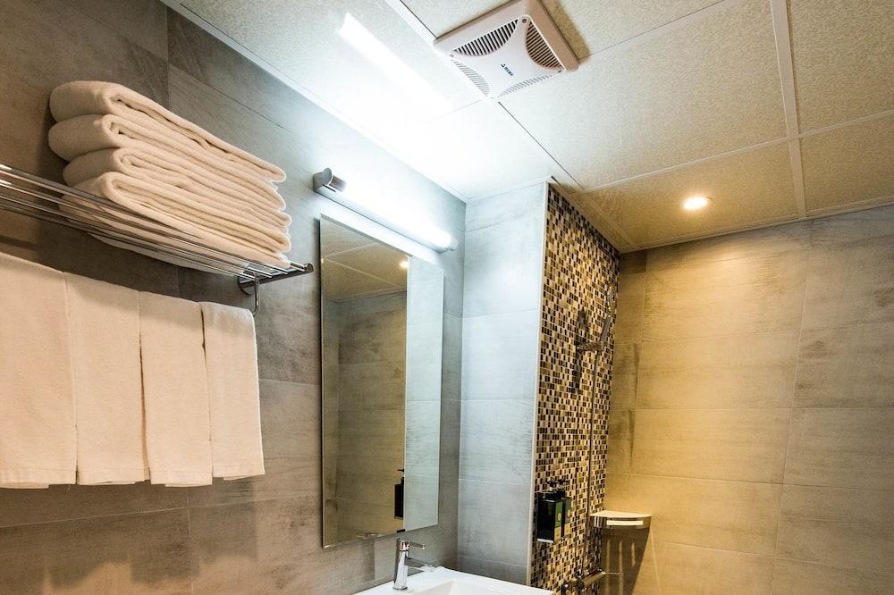 Habitación cuádruple familiar, 2 camas dobles - Baño