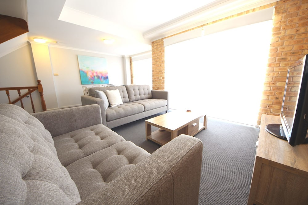 Double or Twin Room - Living Room