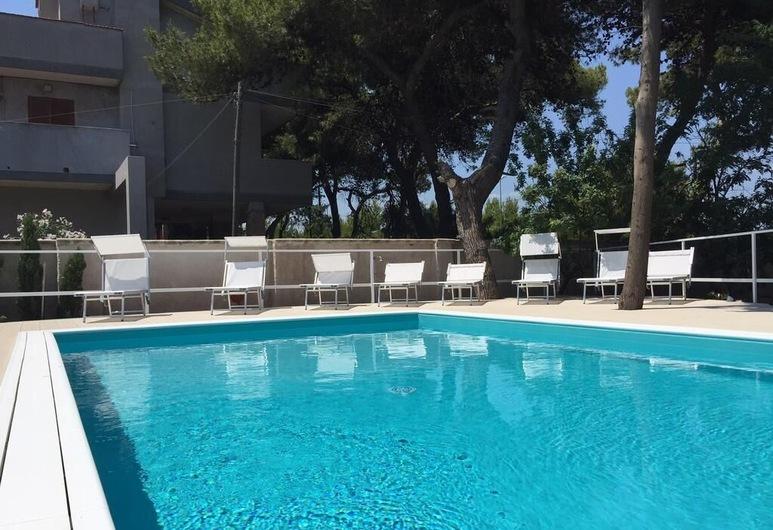 La Villa della Meda, Taranto, Buitenzwembad