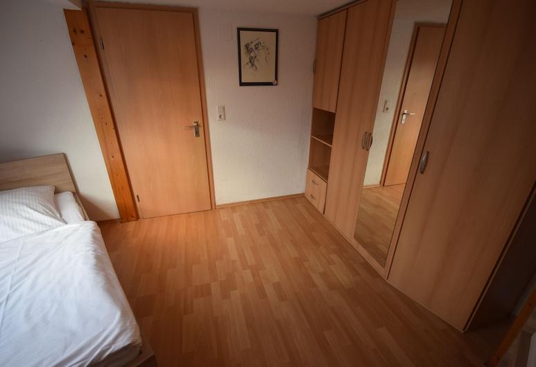 AB Apartments - Apartments Hauptstrasse, Штуттгарт, Апартаменти, 4 спальні (77-00), Номер