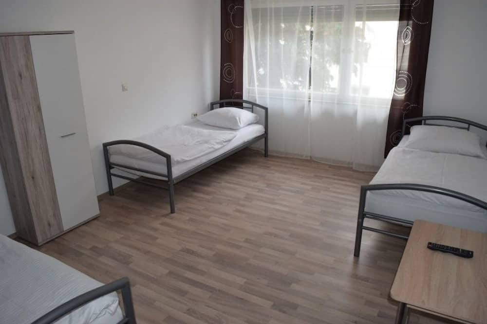 Apartment, 3 Bedrooms (45-00) - Room