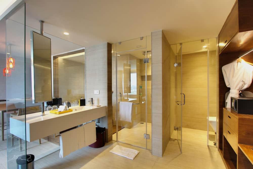 套房, 1 間臥室 (Whirlpool) - 浴室