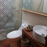 Premier Double Room, 2 Double Beds, Non Smoking - Bathroom